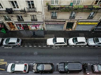 place de stationnement libre en ville