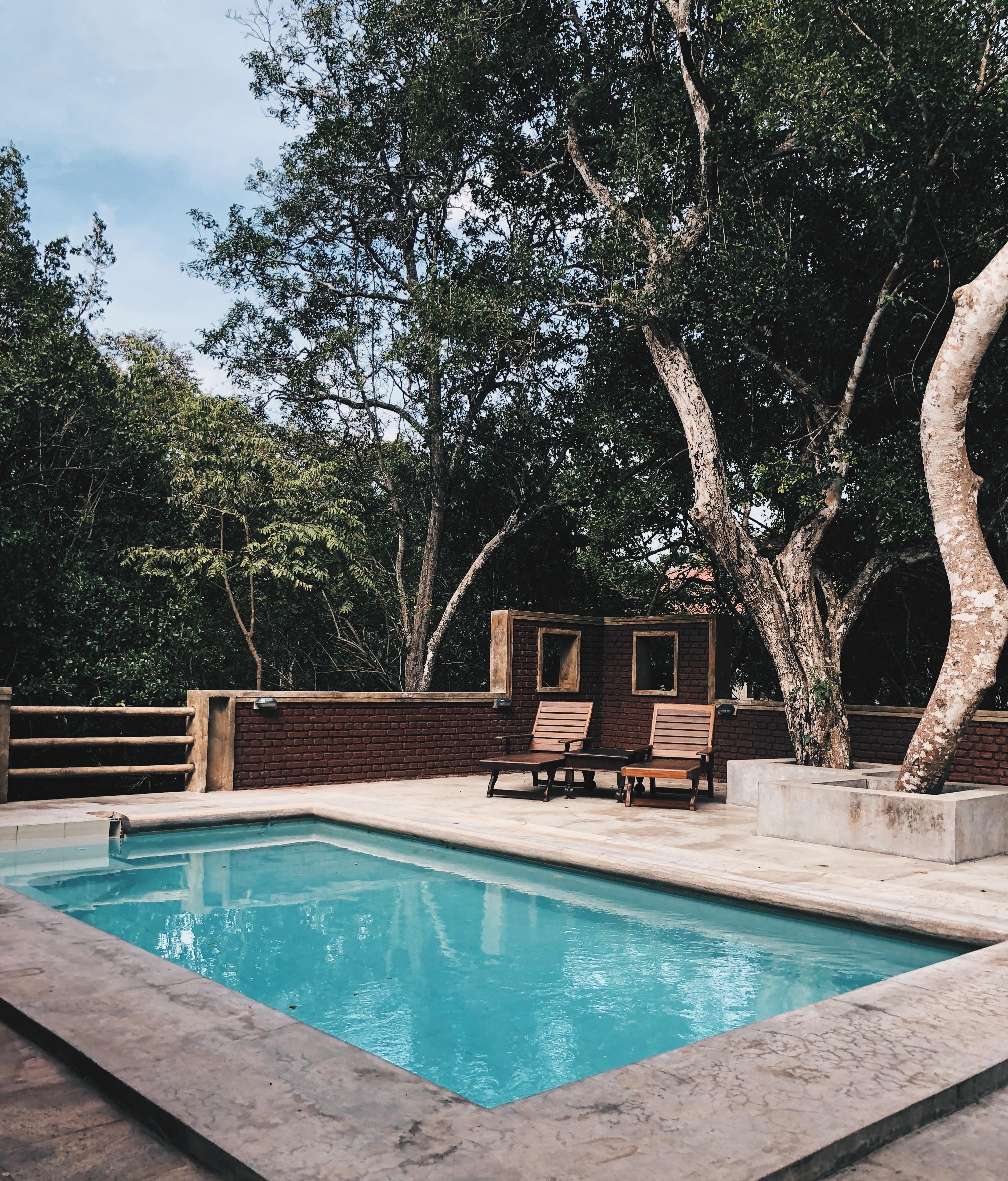 3 avantages à faire construire une piscine à Lyon